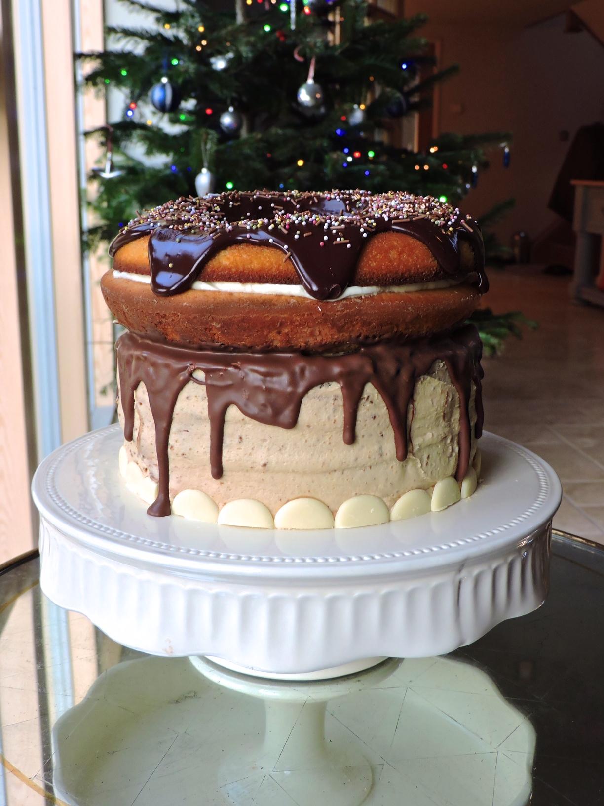Birthday Cake Bottom With No Bake Cheesecake